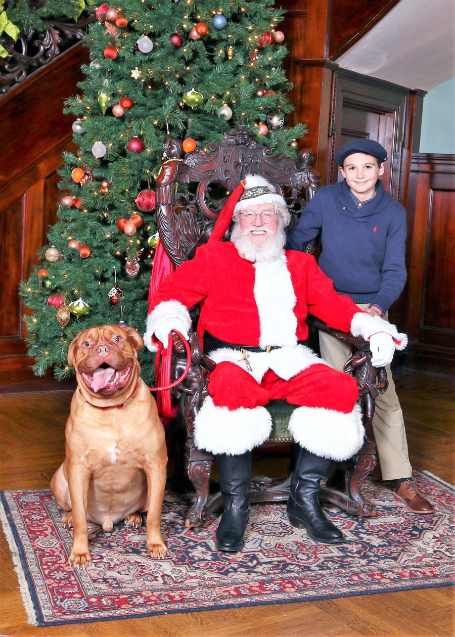Santa at Rhodes Hall on Pet  Night.jpg