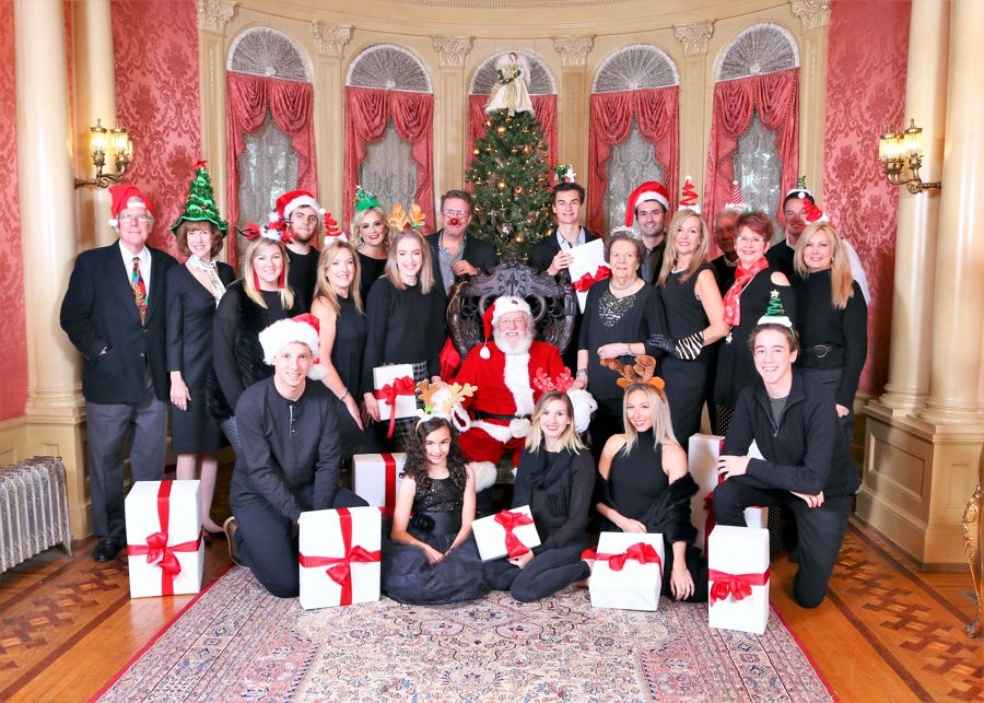 Santa at Rhodes Hall with Large  Group.jpg